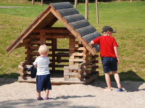 4.10100_Small Play House_001