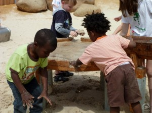 5.10600_Round Mud Table_002